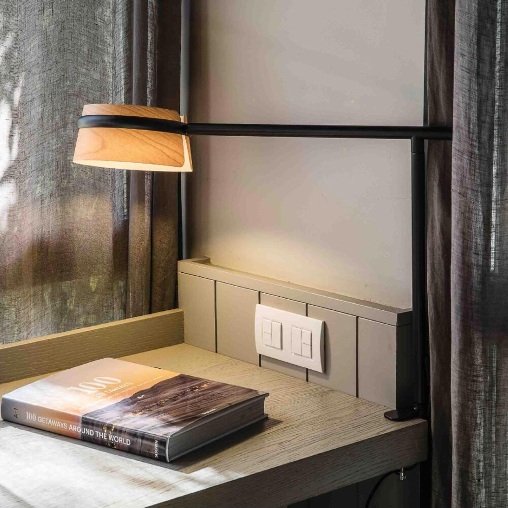 1 Light Black Natural Wood Table Lamp Table Lamps