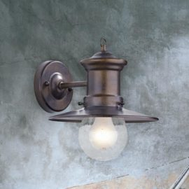 Bronze Traditional Outdoor Wall Light