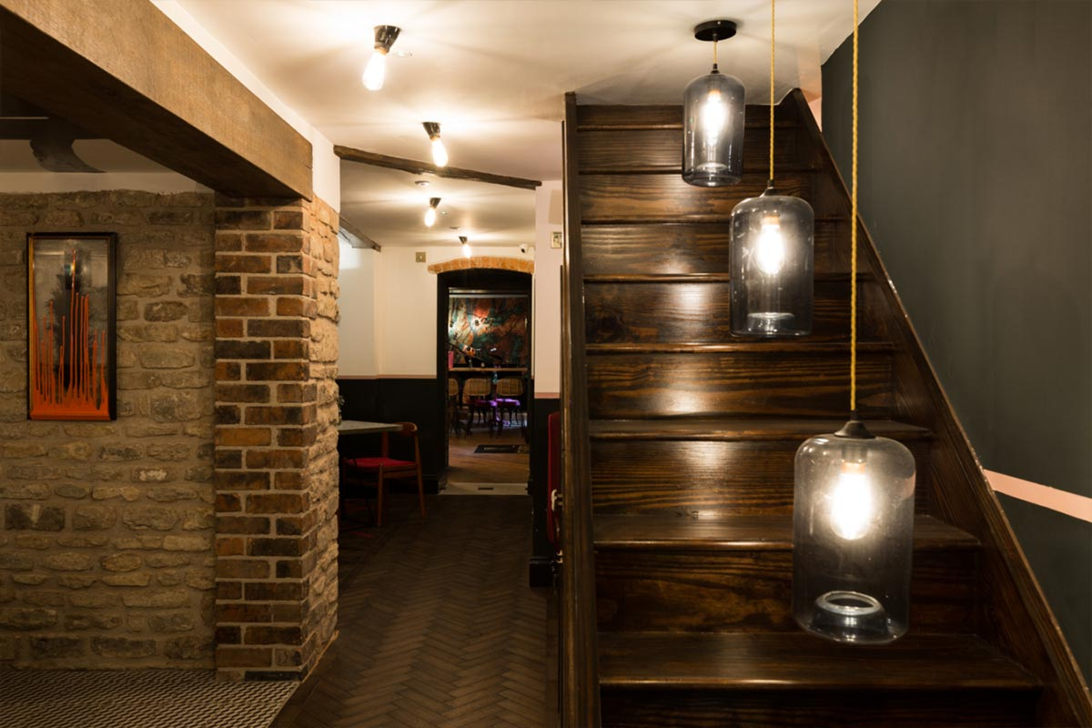 Téatro-Bar-&-Restaurant-Cirencester-Glass-Pendants