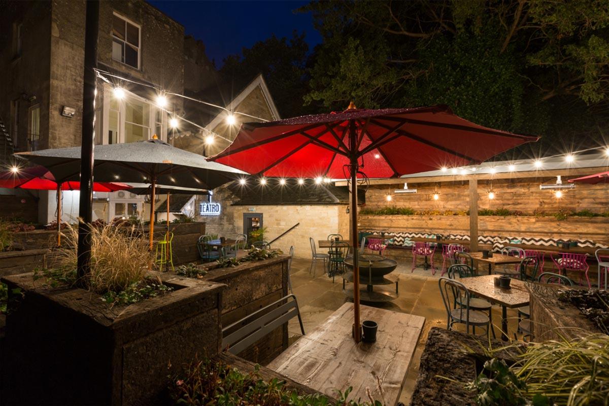 Téatro Bar & Restaurant Cirencester Outside Lighting