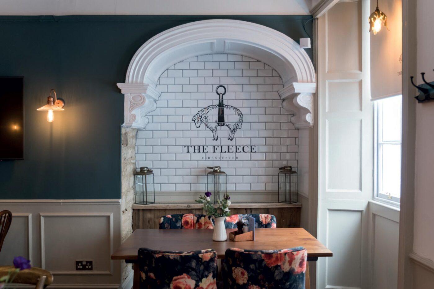 The Fleece Cirencester Wall Light
